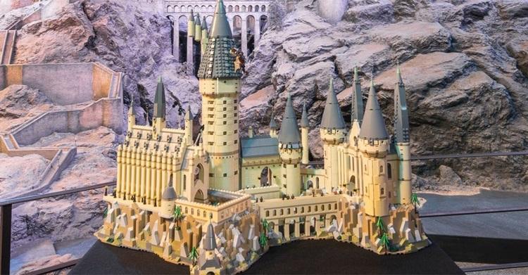 Harry potter in arrivo il castello di hogwarts della lego for Mobili harry potter